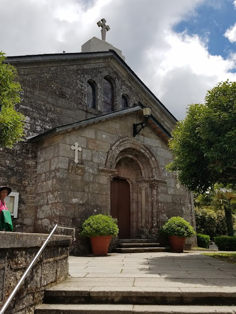 Church of San Tirso. Photo: © Lisa Foradori.