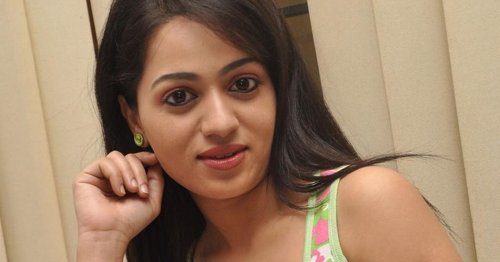 Reshma Hot Photos At Love Cycle Platinum Disc Event