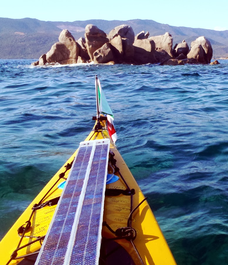 Pannello Solare Kayak : Tatiyak solar cells for sea kayak trip