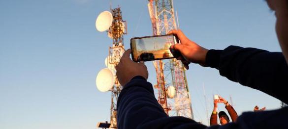 """Telkomsel Targetkan Akhir Tahun 2017  Bangun 5.000 BTS 4G LTE di """"PAMASUKA"""""""