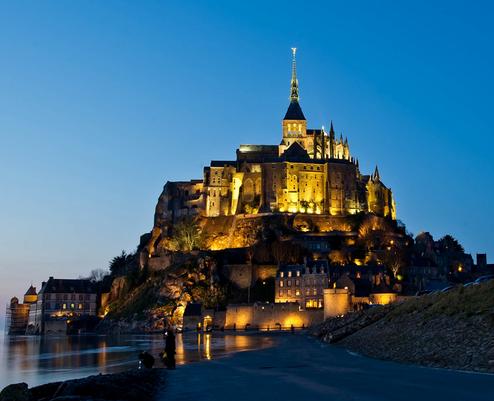Mont-Saint-Michel abbey photo, by Jesper Krough
