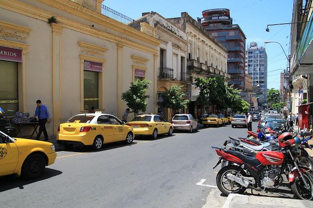 Calle de Asunción, Paraguay