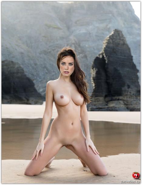 Дэйзи Ридли голая грудь