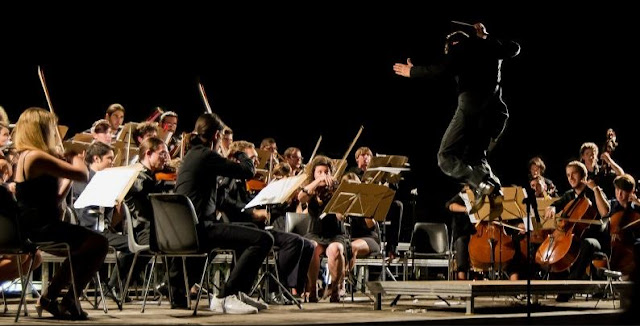Classical music and Baroque music both use orchestras to produce their distinctive sounds, but the way in which each does it is truly different.