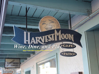 The entrance to the Harvest Moon Cafe in Sonoma, California
