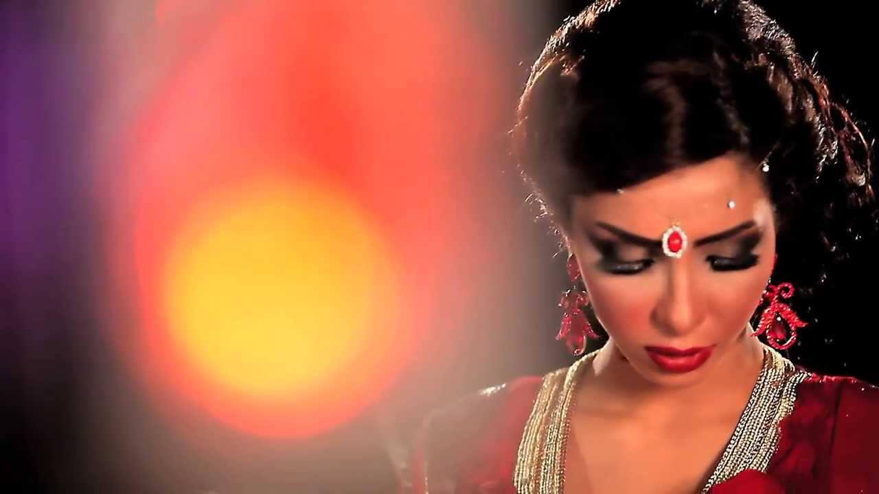 WATCH: Dounia Batma - Wala Fakhbaro