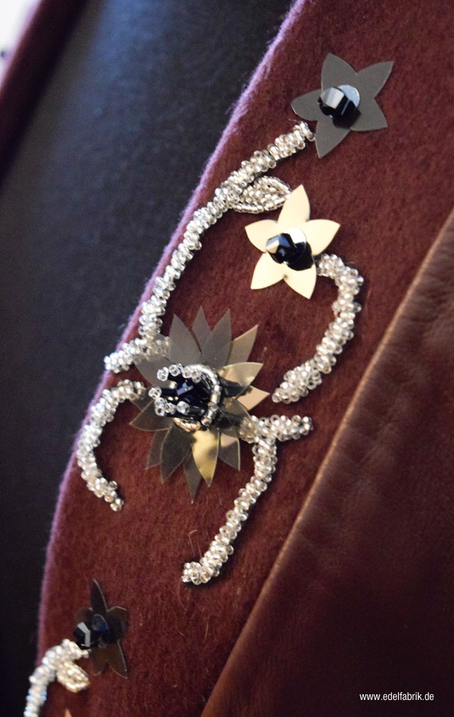 Kleine Perlenstickereien bei Leonie Mergen