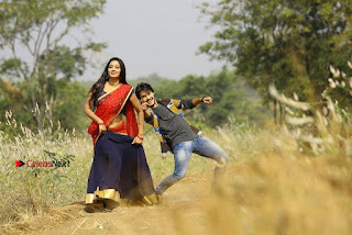 Ram Karthik Bhanu Sri starring Iddari Madhya 18 Movie Stills  0006.jpg