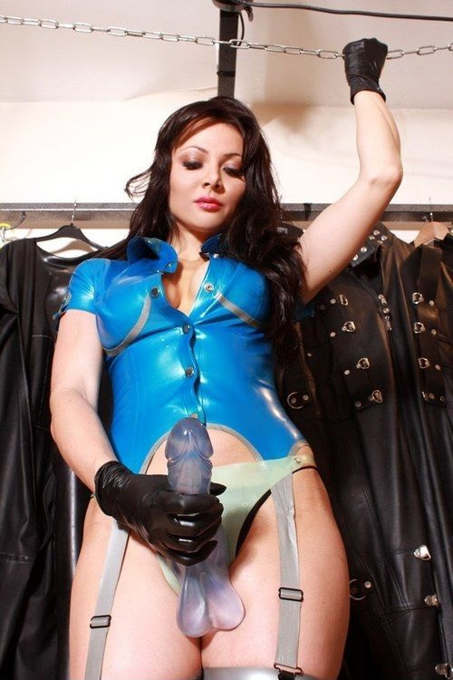 Femdom Mistress Strapon Latex Fetish Heels Peachyforum 1