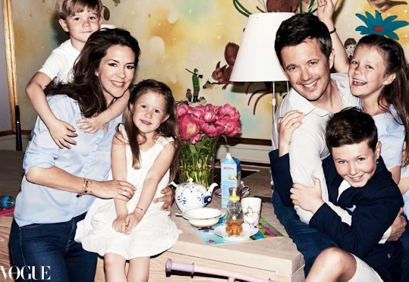 Crown Prince Frederik, Princess Mary, Prince Vincent, Princess Josephine, Princess Isabella and Prince Christian on the cover of Vogue Australia edition
