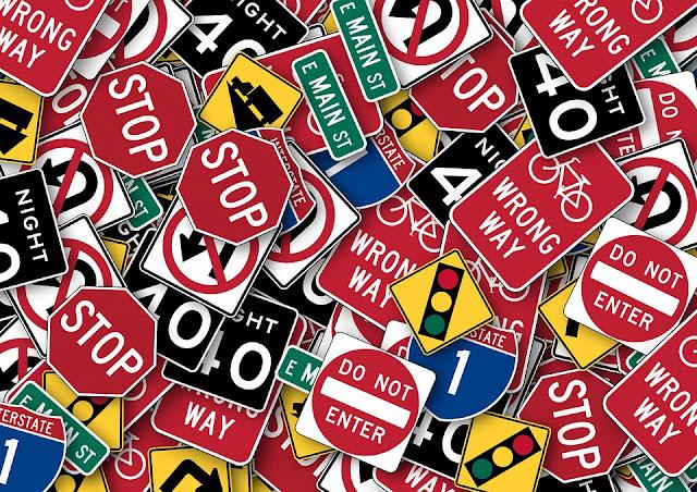 placas de trânsito em inglês