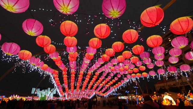 BEAUTIFUL LANTERNS ADORN THE CITY OF TAIWAN DURING LANTERN FESTIVAL