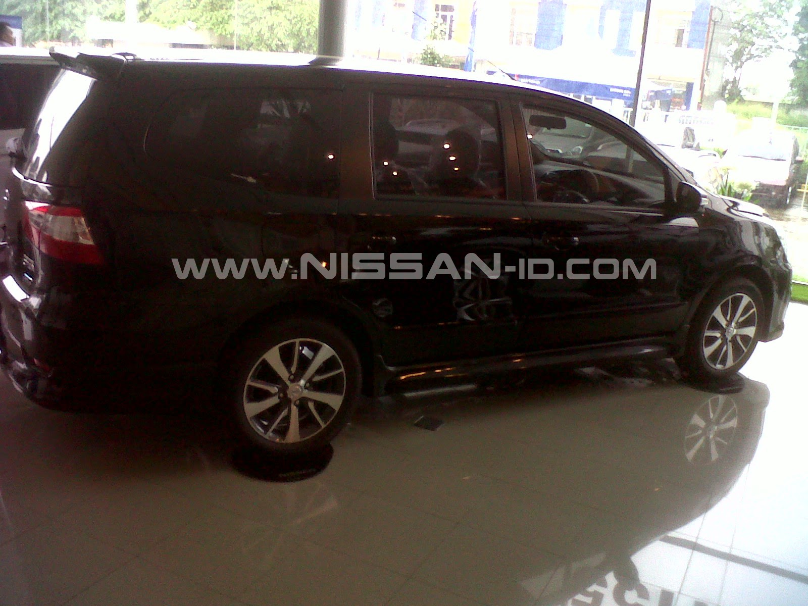 Ukuran Ban Grand New Veloz Interior Innova Venturer Spesifikasi Nissan Grandlivina Sv Xv Hws Autech 2015