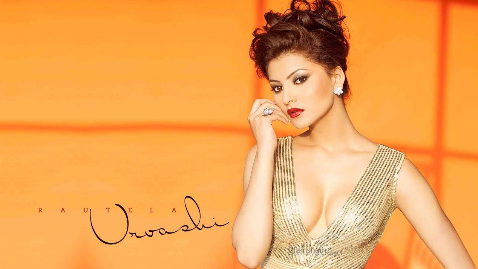 Urvashi Rautela Hd Sexy Hottest Wallpapers - Bolly Hub-4507