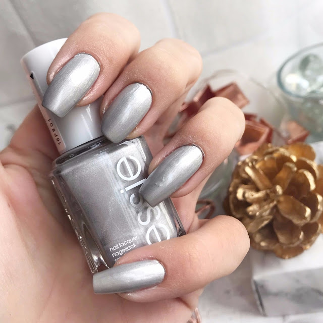 essie-winter-2017-galaxy-metals-in-my-orbit