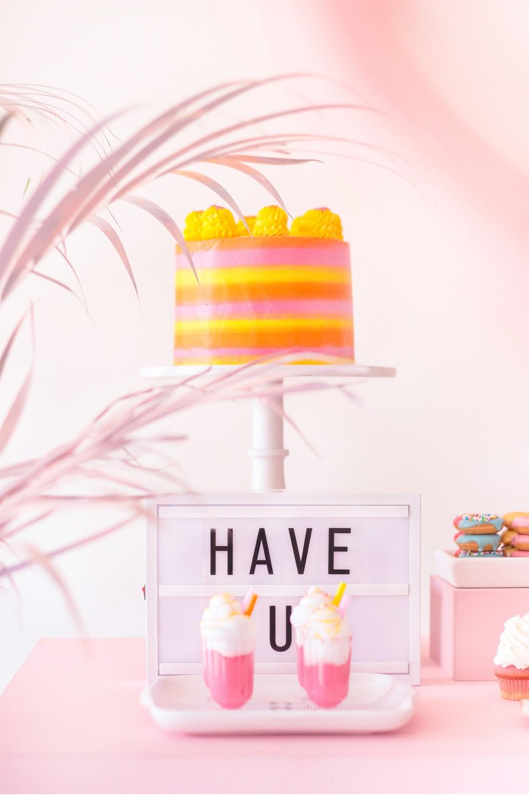 bolo thais terra laranja rosa amarelo