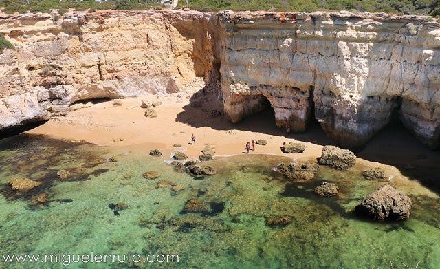 Praia-da-Estaquinha-Algarve