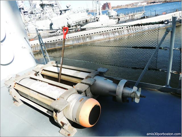 Torpedos del USS JOSEPH P. KENNEDY, JR. DD850