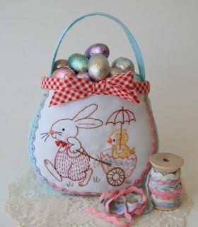 Cestino ricamato con coniglio e pulcino EASTER EGG BAG