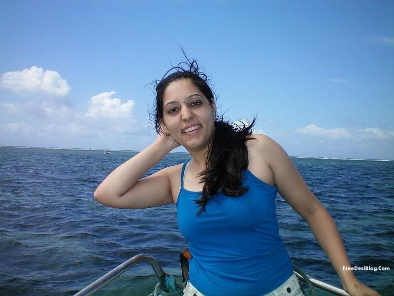 South Actress Hot Pics: Rachana Mourya south hot actress