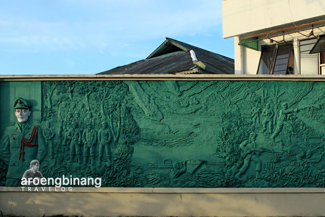 patung wolter monginsidi dan pierre tendean manado sulawesi utara