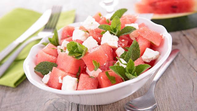البطيخ مع الجبن