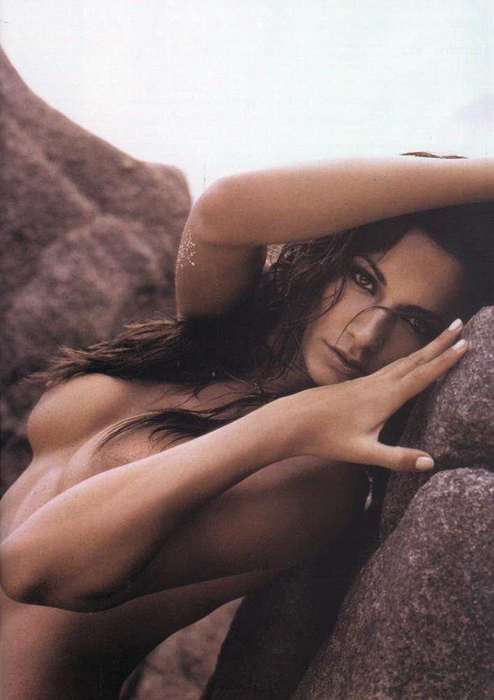 Cécile De France Desnuda Junto A Izia Higelin En Un