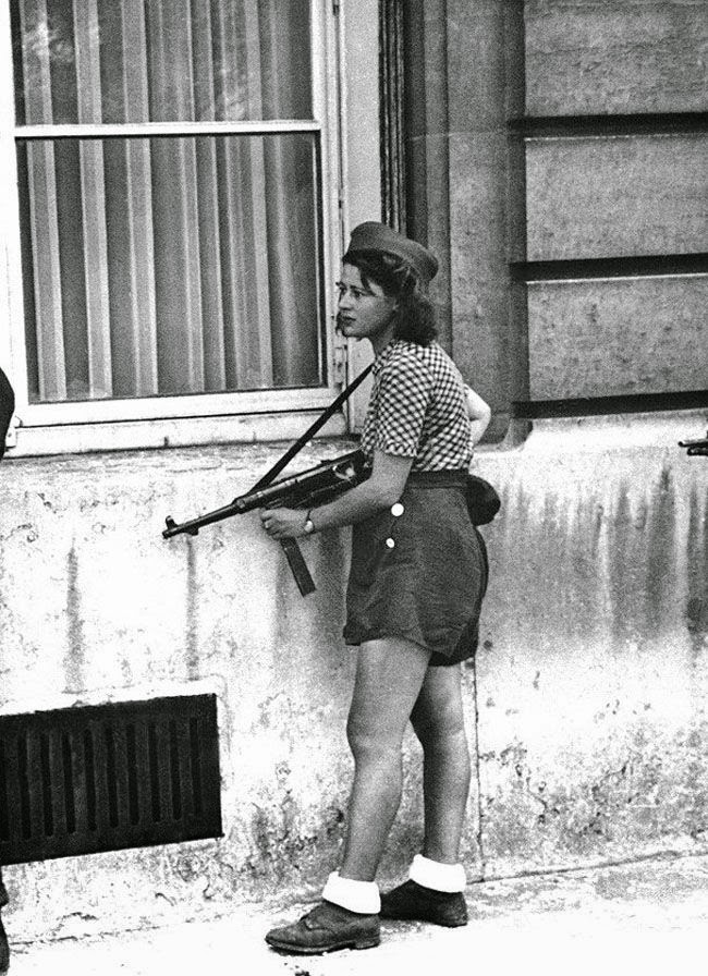 Liberation Paris August 1944 worldwartwo.filminspector.com