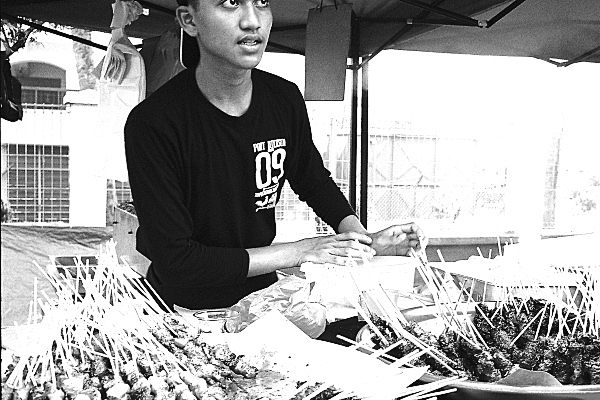 Analog Diary, At The Ramadan Bazaar 02