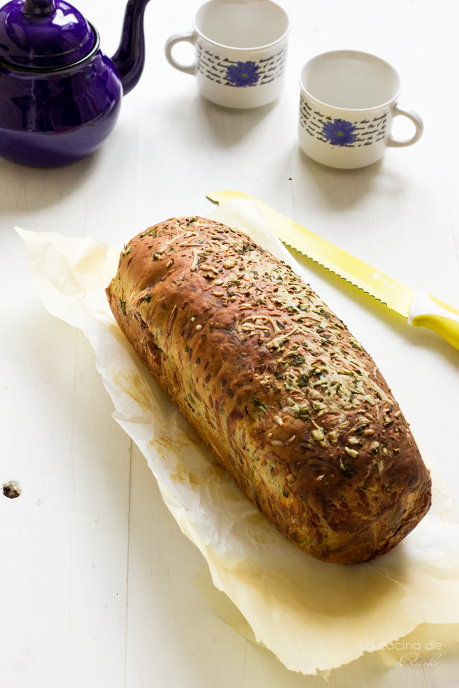 garlic-herbs-cheese-bread-#breadbakers