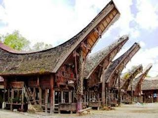 Desain Bentuk Rumah Adat Suku Toraja dan Penjelasannya