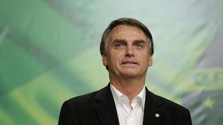 Brilhante estrategista, Bolsonaro usa 'explicação de Lula' para cortes e cala a esquerda