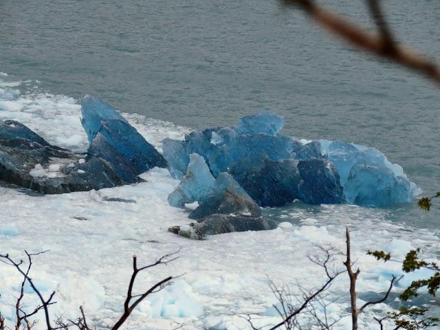 El Calafate Glacier: Blue icebergs