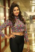 shalu chaurasiya latest sizzling pics-thumbnail-22