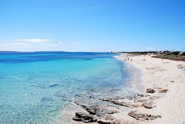 Praia de Ses Salinas em Ibiza