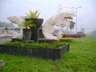 tugu bandeng udang kabupaten sidoarjo - Tukang Sedot Limbah Tarif Murah  031-78273589
