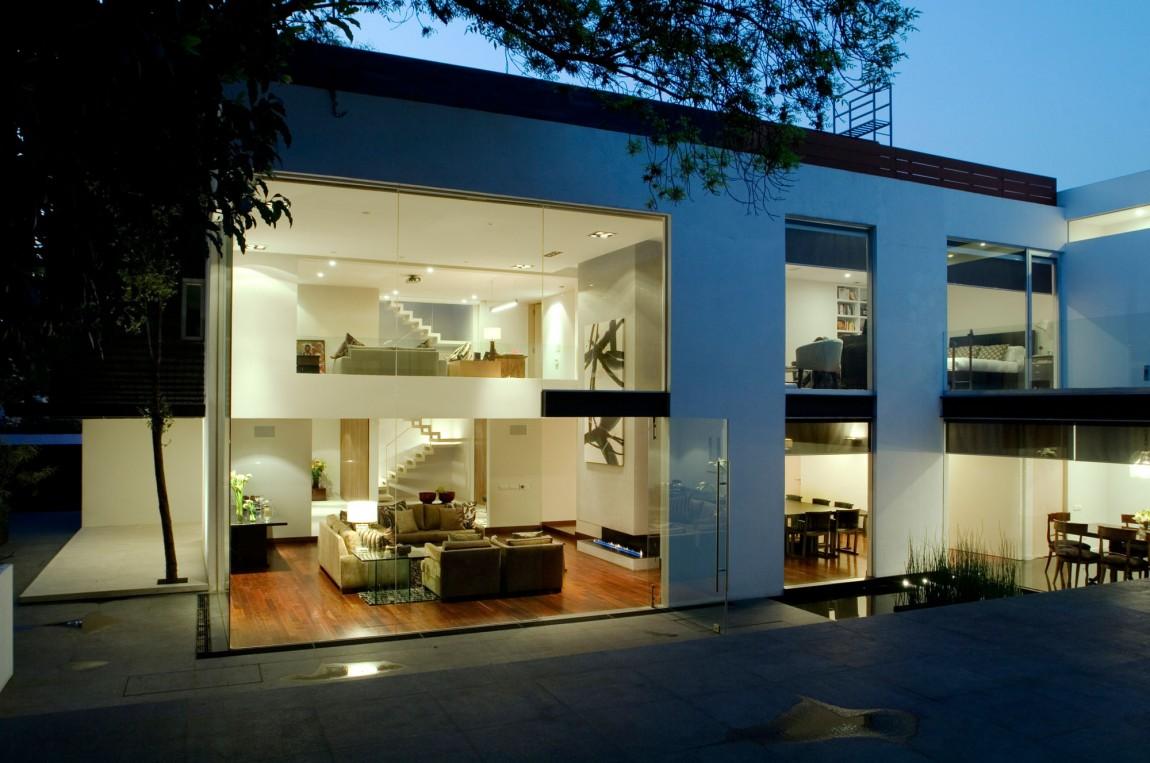 Loveisspeed Mexican Studio Paola Calzada