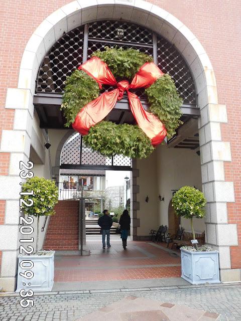 Dekorasi Suasana Natal di Herb Garden Kobe