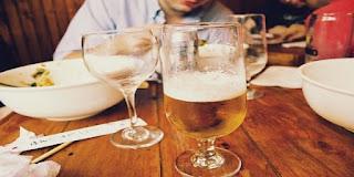 ノンアルコールビールには アルコールが入っている