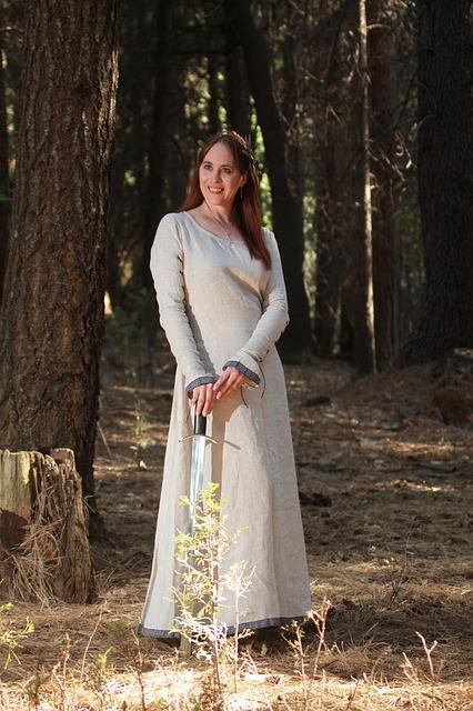 Medieval wedding - bride costume - queen