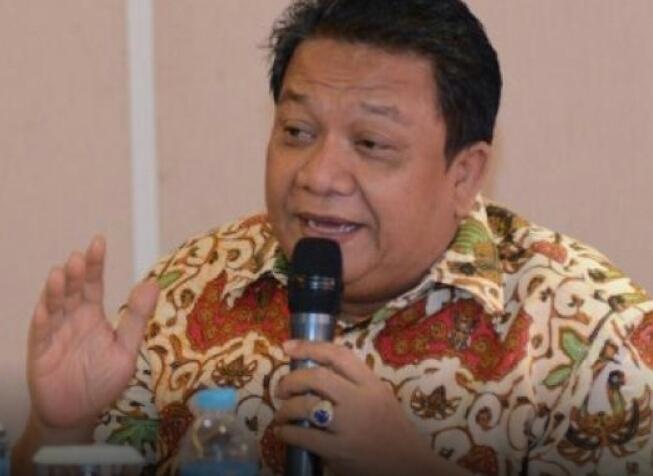 DPR: Masak Masalah Tiang Pancang Impor dari Malaysia