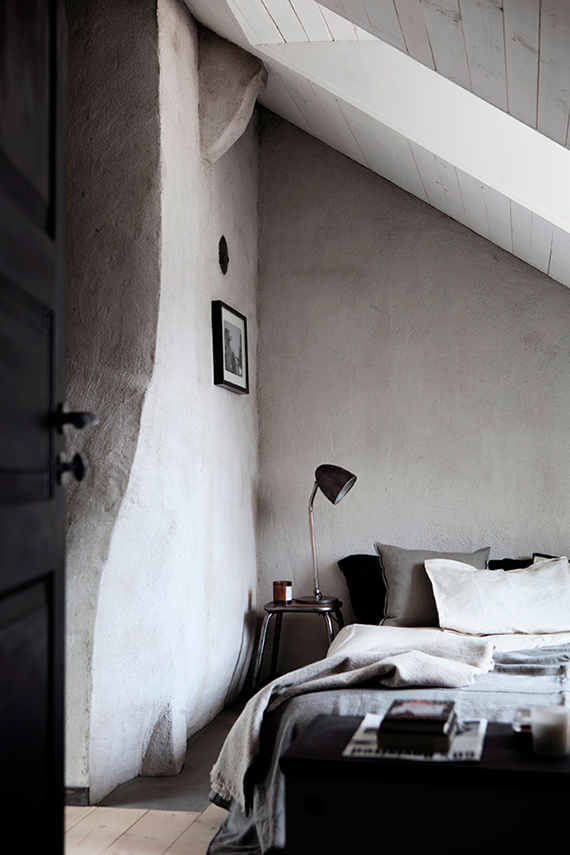Dark bedrooms inspiration | Elle Decoration