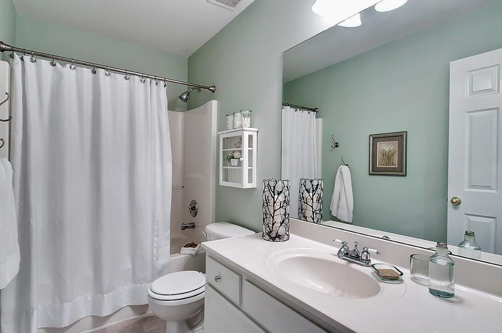 Blog Home Staging A Hall Bathroom Transformation