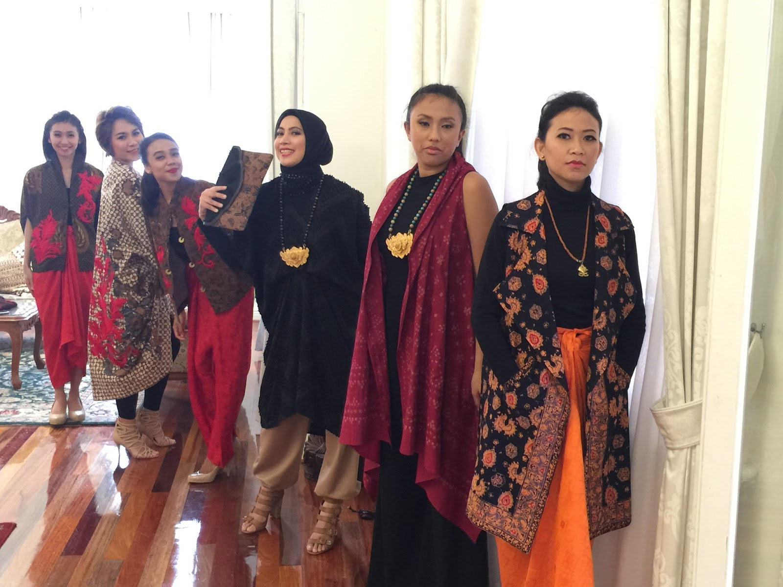Happy and ecstatic faces after shopping Batik Chic latest collection