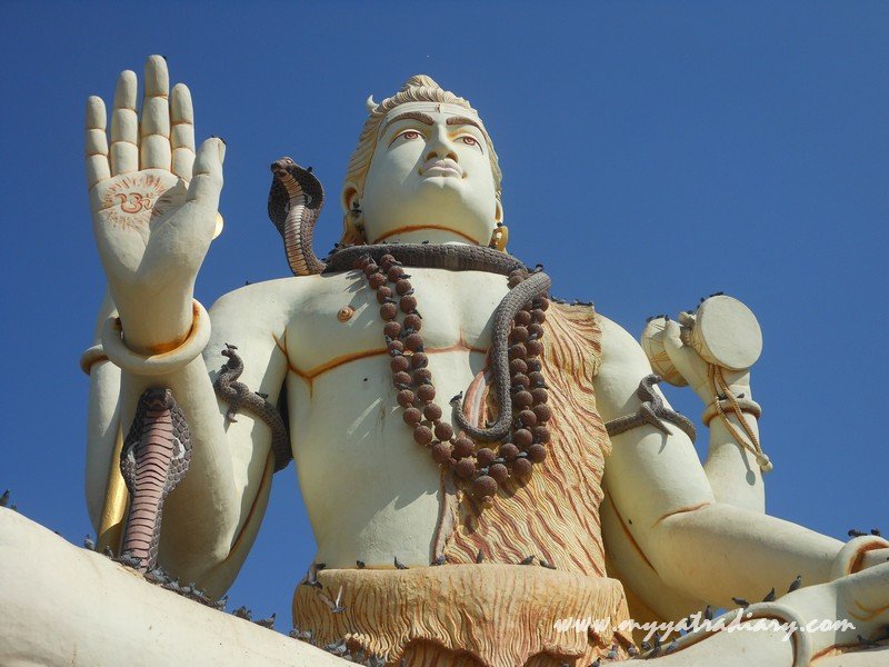 The magnificient statue of Lord Shiva at  Nageshwar Jyotirling Shiva Temple, Bet Dwarka