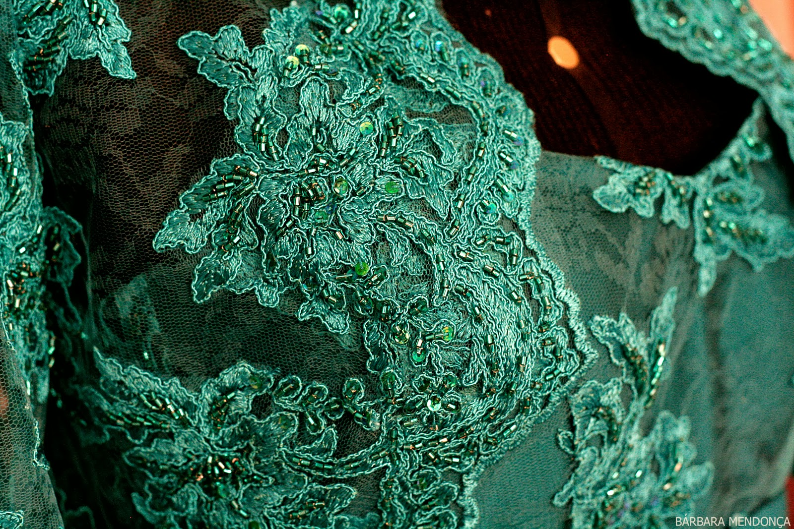 Vestido verde de renda festa