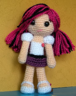 https://www.dropbox.com/s/vobvqrrvhgmjvfc/Amy%20Amigurumi%20Doll%20Free%20Pattern--Tales%20of%20Twisted%20Fibers.pdf