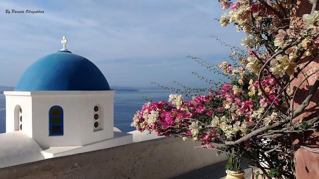 Igrejinha com cúpula azul