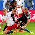 Bayern derrota o Hamburgo no fim, e Chicharito brilha em vitória do Leverkusen