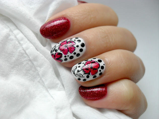 V-day Nails - Model de manichiura